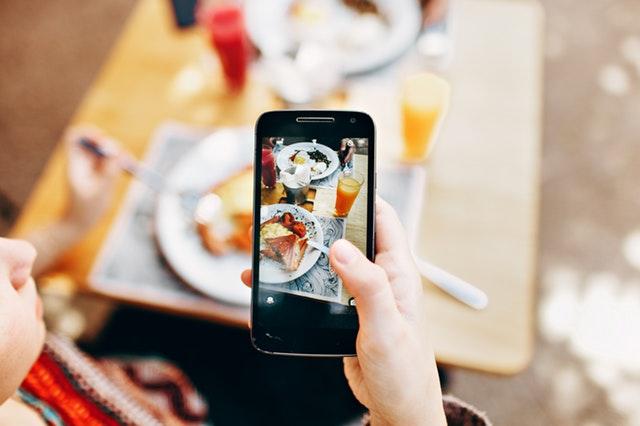 Peran Sosial Media Dalam Kehidupan